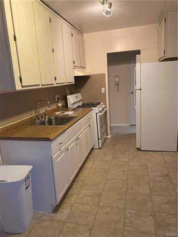 305 SIXTH AVE APT 2F, PELHAM, NY 10803 - Photo 2