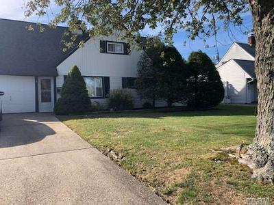 8 WAFER LN, Wantagh, NY 11793 - Photo 1