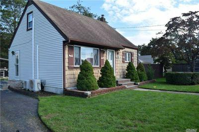 250 ARCHER AVE, Copiague, NY 11726 - Photo 2