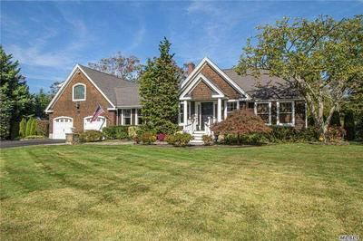 9 FRANKLIN RD, Oakdale, NY 11769 - Photo 2