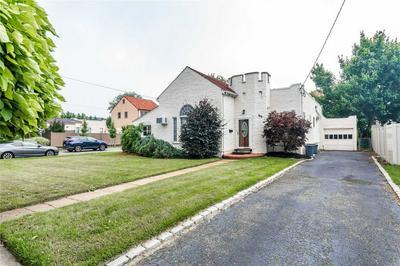 369 FRANKEL BLVD, Merrick, NY 11566 - Photo 2