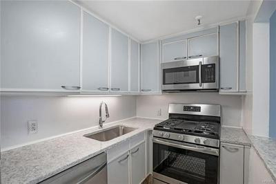 10 COTTAGE PL APT 9B, WHITE PLAINS, NY 10601 - Photo 2