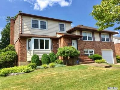 3821 MORTON LN, Seaford, NY 11783 - Photo 2