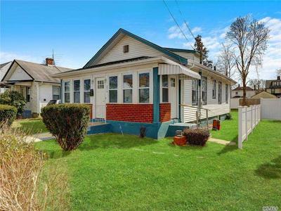 274 E COLUMBIA ST, Hempstead, NY 11550 - Photo 2