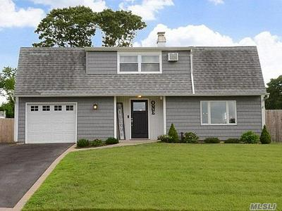 1 CARNEGIE DR, Farmingville, NY 11738 - Photo 1