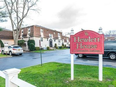 1335 BROADWAY APT M20, Hewlett, NY 11557 - Photo 1