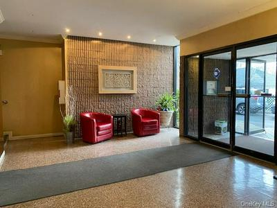 130 COLONIAL PKWY APT 1F, Yonkers, NY 10710 - Photo 2