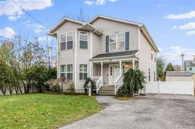 552 WOODLAND DR, S. Hempstead, NY 11550 - Photo 1