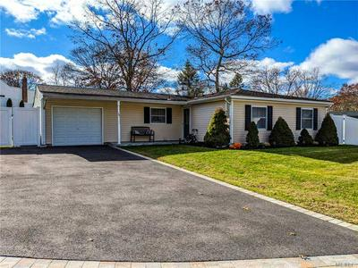 20 LEHIGH LN, Farmingville, NY 11738 - Photo 1