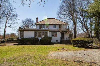 216 LAKEVIEW AVE E, Brightwaters, NY 11718 - Photo 2