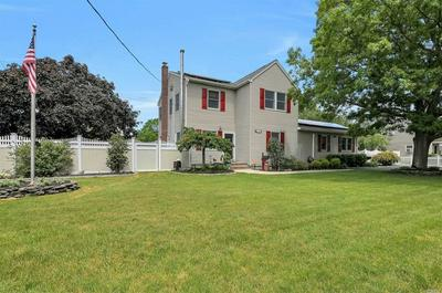 237 BARTON AVE, Patchogue, NY 11772 - Photo 2