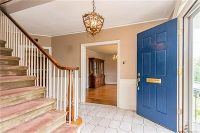71 CARVER TER, Yonkers, NY 10710 - Photo 2