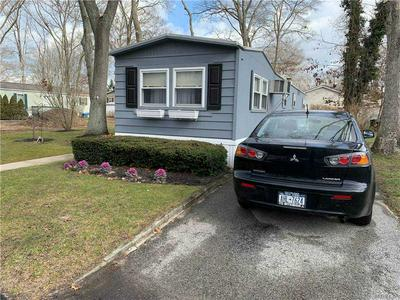 1661 OLD COUNTRY RD, Riverhead, NY 11901 - Photo 2