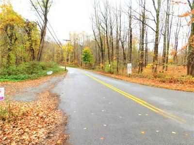 10 OSCAWANA LAKE RD, Putnam Valley, NY 10579 - Photo 2