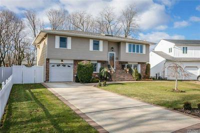 1352 ESTELLE CT, Seaford, NY 11783 - Photo 2