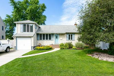 644 GREENMAN CT, Seaford, NY 11783 - Photo 1