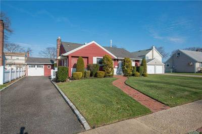 3969 MAPLEWOOD DR, Seaford, NY 11783 - Photo 2