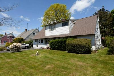 15 GROUSE LN, Levittown, NY 11756 - Photo 2