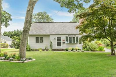 237 APRIL LN, Bayport, NY 11705 - Photo 2