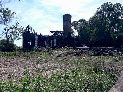 4690 OREGON RD, Mattituck, NY 11935 - Photo 1