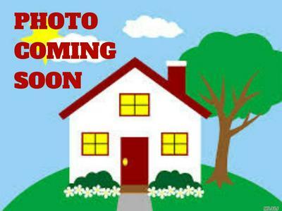 11 AVON RD, Hewlett, NY 11557 - Photo 1