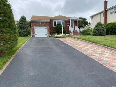 121 BLOOMINGDALE RD, Levittown, NY 11756 - Photo 2