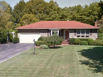 37 OLD SOUTH COUNTRY RD, Brookhaven, NY 11719 - Photo 1
