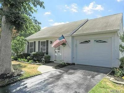 326 BROWNFIELD DR, Ridge, NY 11961 - Photo 2