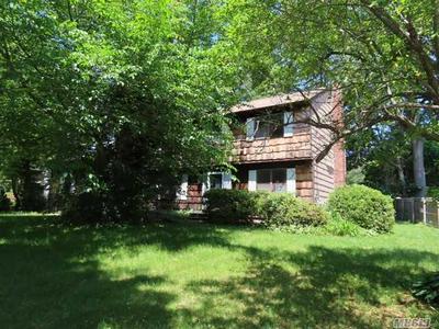 105 TRUXTON RD, Dix Hills, NY 11746 - Photo 1