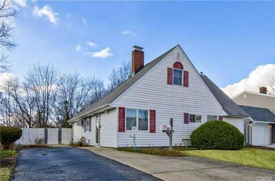 124 HAMLET RD, Levittown, NY 11756 - Photo 1