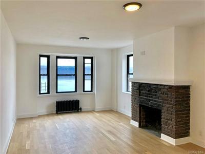 2475 PALISADE AVE APT 2D, Bronx, NY 10463 - Photo 2