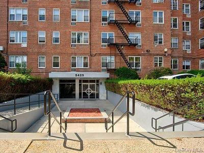 5425 VALLES AVE APT S2C, BRONX, NY 10471 - Photo 1