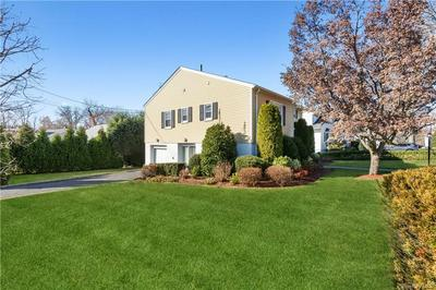 18 DORCHESTER RD, Eastchester, NY 10709 - Photo 2