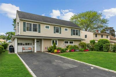 24 TARGET LN, Levittown, NY 11756 - Photo 1