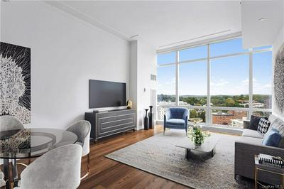 5 RENAISSANCE SQ APT 18C, White Plains, NY 10601 - Photo 2