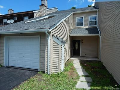 22 COUNTRY CLUB DR, Warwick Town, NY 10921 - Photo 1