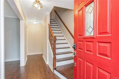 36 LIVINGSTON RD, SCARSDALE, NY 10583 - Photo 2