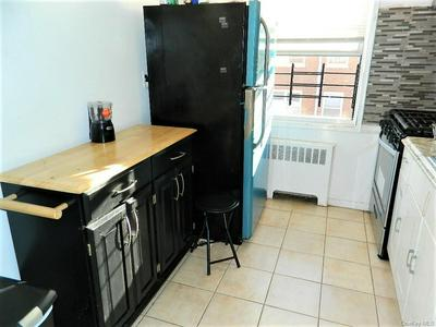 840 PALISADE AVE APT 1G, Yonkers, NY 10703 - Photo 2