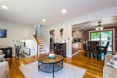 290 RAVENCREST RD, Yorktown Heights, NY 10598 - Photo 2