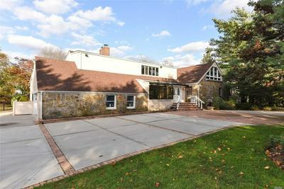 236 RICHARDS LN, Hewlett, NY 11557 - Photo 2