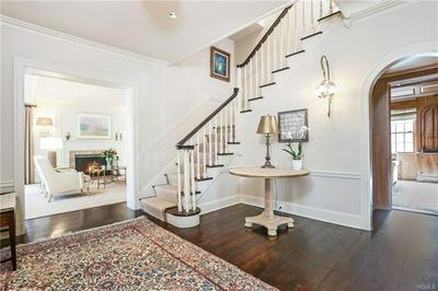 19 OVERLOOK RD, SCARSDALE, NY 10583 - Photo 2