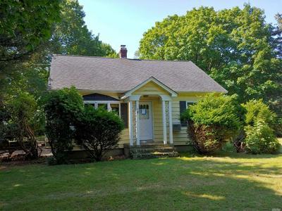 31 OLD STONE RD, Calverton, NY 11933 - Photo 1