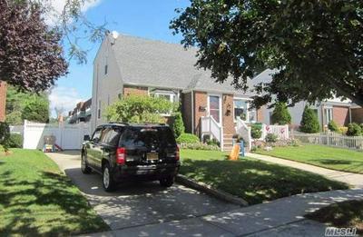 22 AVALON RD, Hewlett, NY 11557 - Photo 1
