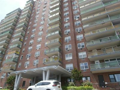 1853 CENTRAL PARK AVENUE 8G, Yonkers, NY 10710 - Photo 1