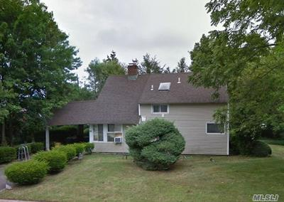 35 HEMP LN, Hicksville, NY 11801 - Photo 1