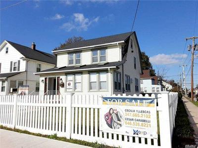 371 E COLUMBIA ST, Hempstead, NY 11550 - Photo 2