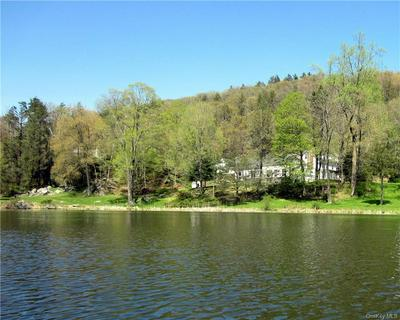 98 WILLOW LAKE DR, Pawling, NY 12531 - Photo 2