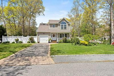 41 PILGRIM AVE, East Patchogue, NY 11772 - Photo 2
