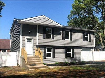 1216 ELLIS ST, Holbrook, NY 11741 - Photo 1