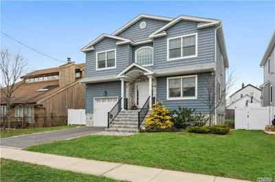 390 HAMILTON AVE, Hewlett, NY 11557 - Photo 2